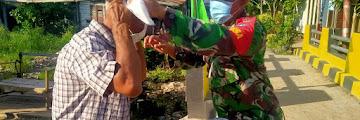 Ribuan Masker untuk Pengunjung Pasar Pemangkat