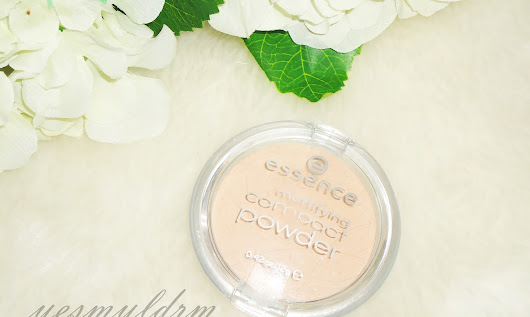 Yesm YLDRM : ESSENCE MATTİFYİNG COMPACT POWDER