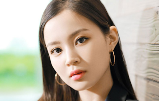 Gorgeous Lee Hi on Domani Magazine Japan