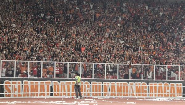 Laga Persija Jakarta - Arema FC Pecahkan Rekor Penonton Terbanyak Liga 1