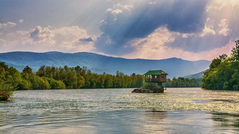 drina river, drina river house, drina, drina river serbia, house in river, house on a river,
