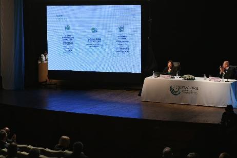 Obras: la Gobernadora anunció convenios con 26 municipios por más de $318.000.000