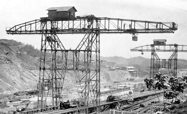 Panama Canal Cranes 1910