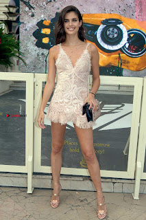 Sara+Sampaio+Beautiful+Legs+and+Ass+in+Mini+Dress+at+Cannes+2017+003.jpg