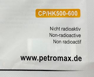 HK500のマントルのパッケージ。Non-radioactive(非放射性物質)と書かれている。
