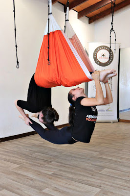 acro acrobatic yoga