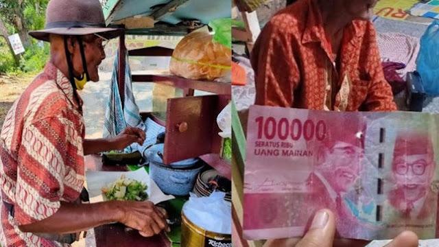 Kasihan Kakek Penjual Gado Gado ini Akibat Matanya Sudah Kabur Dirinya Dibayar Dengan Uang Mainan