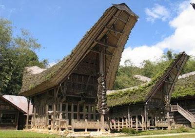 Rumah Adat Tongkonan Sulawesi Selatan