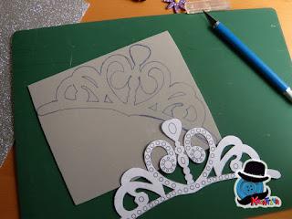 ritaglia il modello della tiara di Sofia la principessa