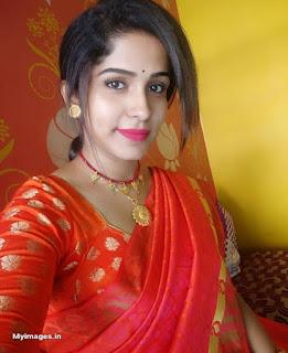 Beautiful indian girl in saree images Navel Queens