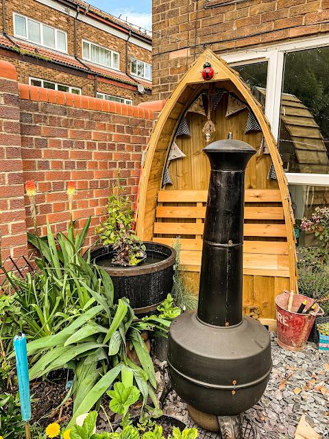 june in mandy charltons small urban garden in newcastle upon tyne, photographer, blogger, urban gardener