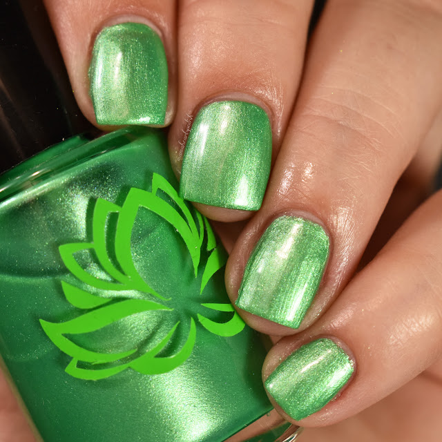 soothing-soul-nail-lacquers-lily-pad-1