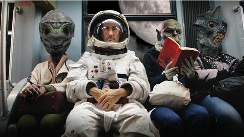 """Astronauta da Apollo 14 Afirma que Alienígenas fizeram contato há mais de 60 anos e Governantes """"ACOBERTAM"""""""