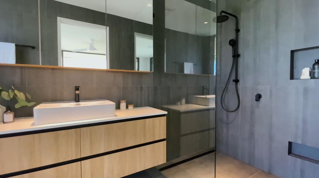 49 Photos vs. Tour 327 Chesterfield Dr, Gold Coast, QLD Luxury Mansion Interior Design