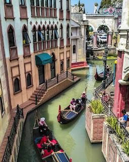 Replika kota Venice, Italia ada di Little Venice, Jawa Barat