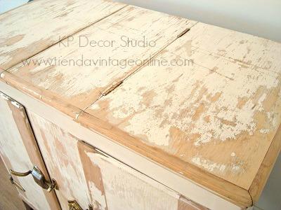 Muebles de madera decapada en valencia. Decoración vintage