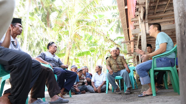 Jawab Keluhan Listrik Warga, Bupati Beri Bantuan Genset Untuk Masyarakat Pulau Tambolongan
