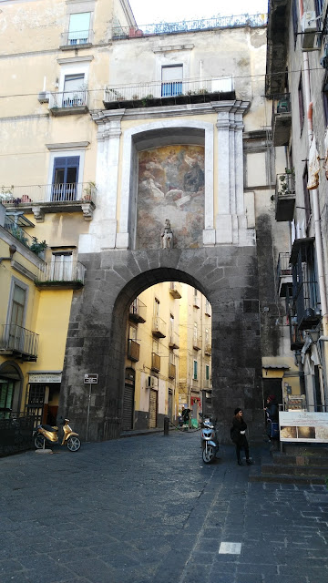 Porta San Gennaro-Napoli