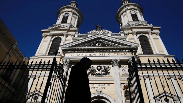 Jesuitas chilenos confirman que el fallecido sacerdote Renato Poblete Barth abusó sexualmente de 22 mujeres, incluidas 4 menores