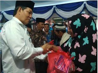 Walikota GSVL berkunjung dan menyumbangkan 50juta rupiah untuk pembangunan Masjid Al Hijrah
