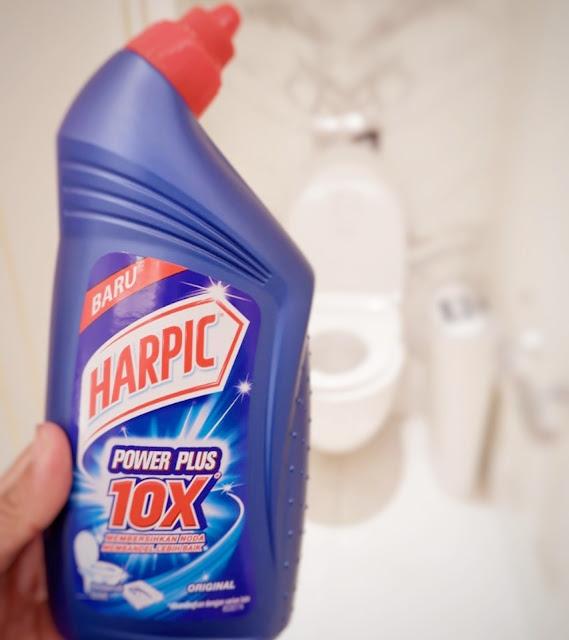 Kampanye aksi toilet bersih bersama harpic