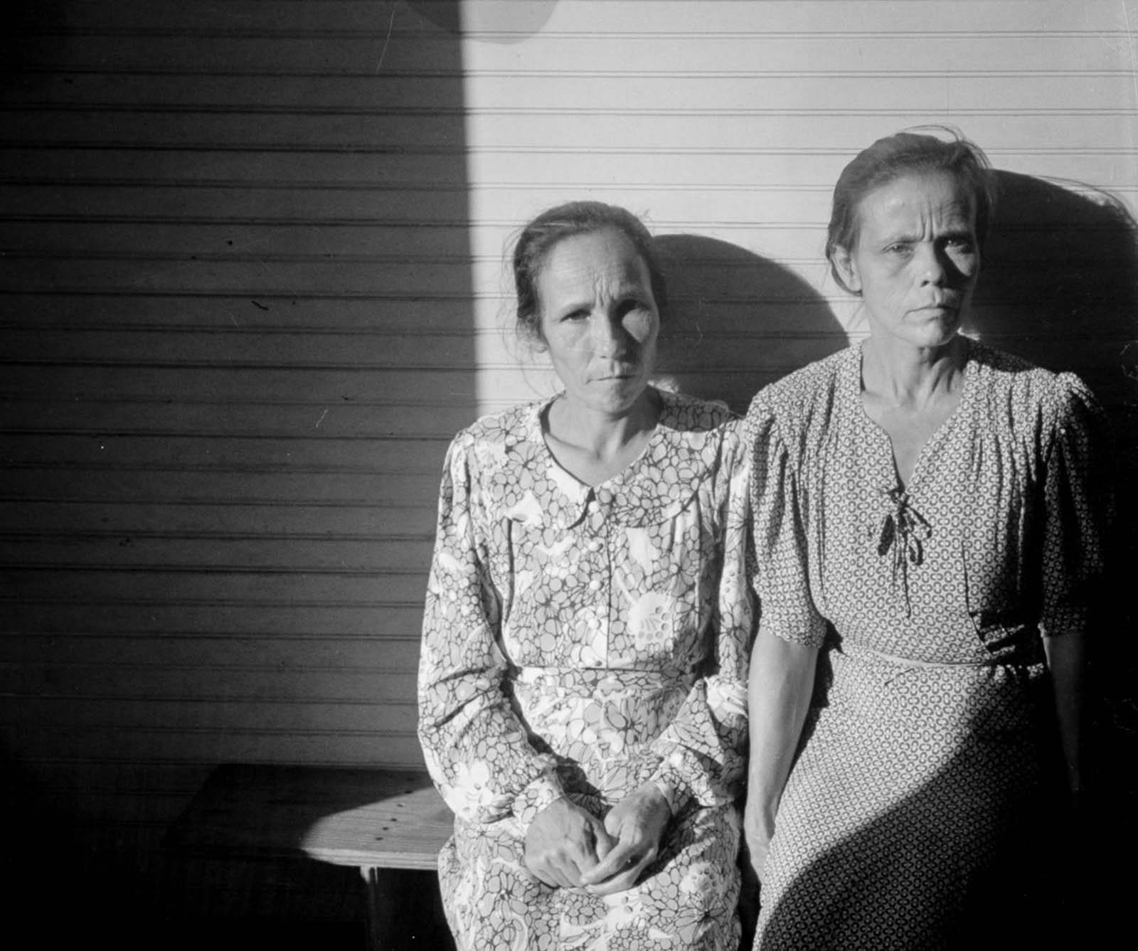 Farmers' wives who live in the hills near Corozal.
