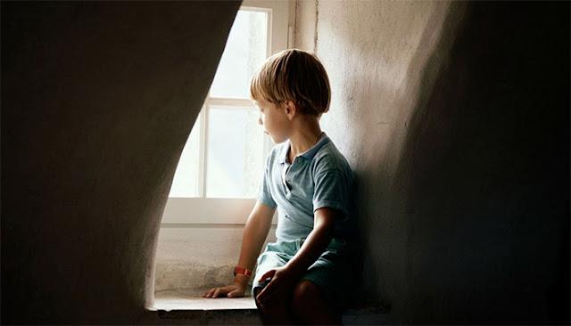 Γονεις Προσοχή! Οι λέξεις που πληγώνουν σαν καρφιά το παιδί σας – Τί λένε οι ειδικοί