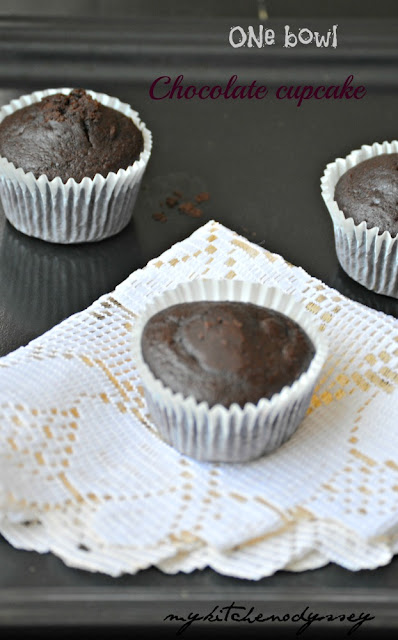 one bowl chocolate cupcake2
