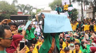 Gemuruh Tepuk Tangan, Sambut Mahasiswa Asal Papua Saat Demo di DPRK Lhokseumawe