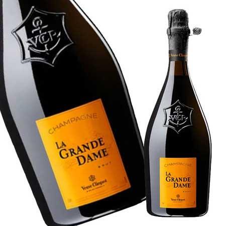 A Vibrant Tribute to La Grande Dame