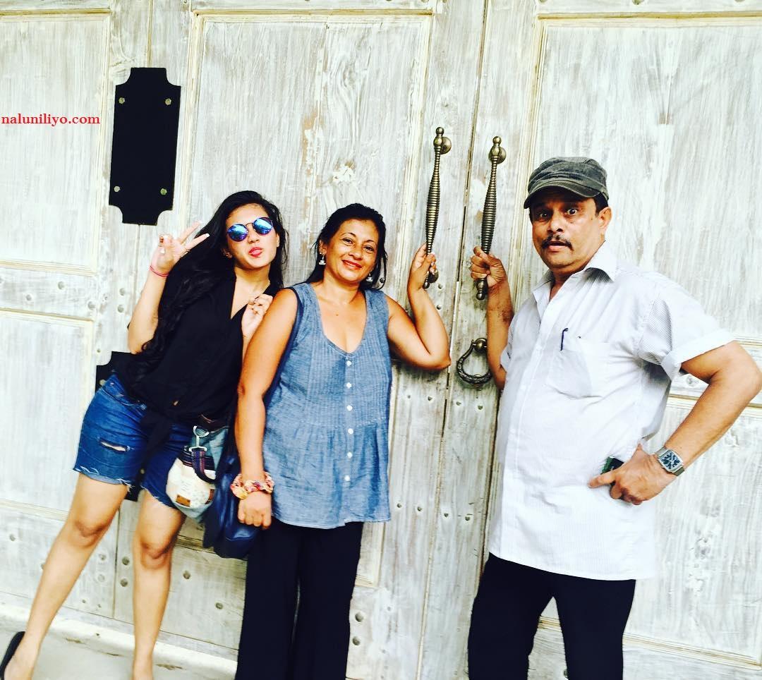 Shanudrie Sri lankang hot girls denims