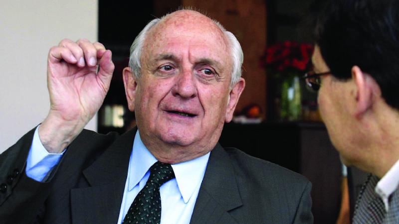 José María Bakovic falleció en 2013 por un paro cardiaco al ser obligado a asistir a constantes audiencias por 70 juicios viajando entre La Paz y Cochabamba / ARCHIVO PÁGINA SIETE