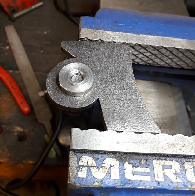 The rear side of the bracket, prior to welding the pivot.