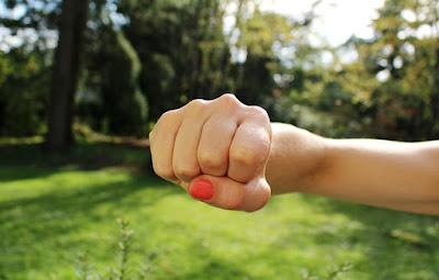 cara menangani anak yang suka memukul