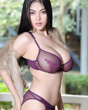 Mary Diamonds Model Instag