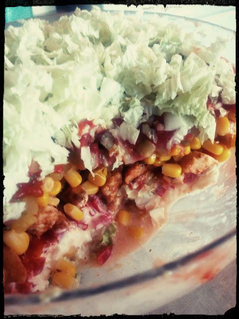 salatka gyros salatka warstwowa salatka z kurczakiem salatka kebab salatka z majonezem i ketchupem