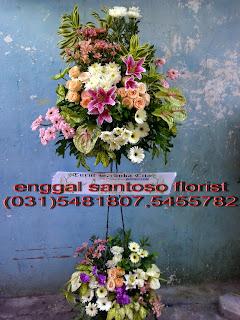 harga rangkaian karangan bunga standing duka cita