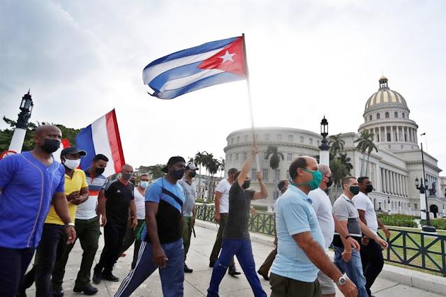 Protestos em Cuba refletem contexto de crise econômica e transição política