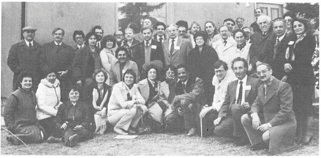 Десница Дела Божьего Джон Робартс с участниками учредительного собрания Международного агентства бахаи по здравоохранению
