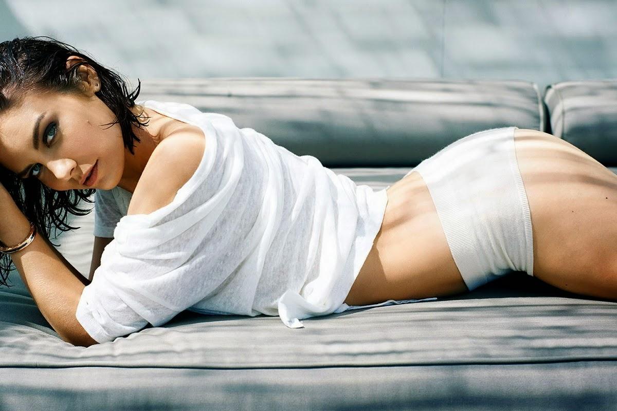 Lara Stone I D Fall 2010 I D Fall 2010 Celebrity Posing Hot