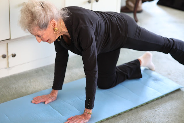 Người cao tuổi có thể tập Yoga được hay không ?