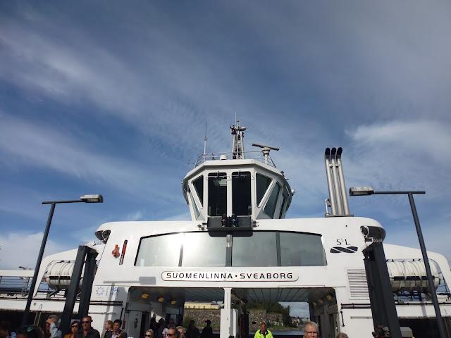 Transbordador que te lleva a la Fortaleza de Suomenlinna (Helsinki) (@mibaulviajero)