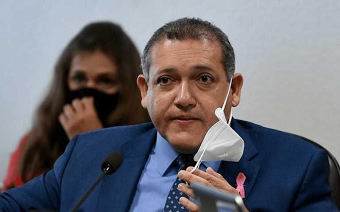 Nunes Marques pede vistas durante julgamento de suspeição de Moro e estraga a 'festa' de Gilmar Mendes
