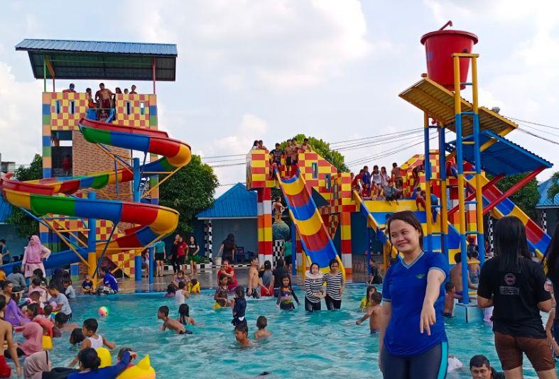 Kolam Renang Bahagia Medan