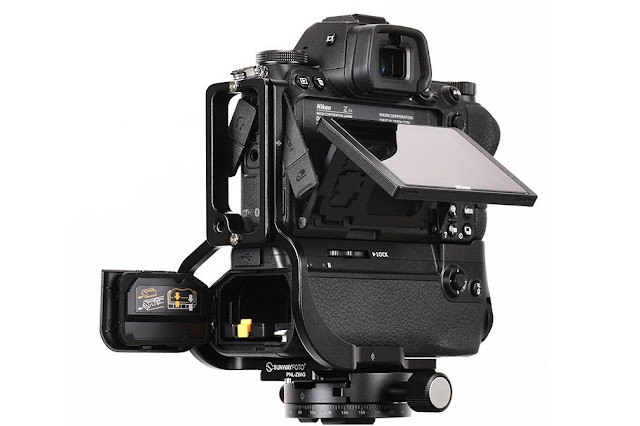 Sunwayfoto PNL-Z6IIG on Nikon Z6II w/ Grip LCD /side detail