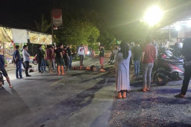 Tabrakan Depan Planet Cinema Bone, 4 Orang Tergeletak di Aspal