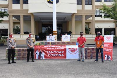 Polda Jambi Terima Bantuan Dari Yayasan Wing Peduli Kasih Untuk Penanggulangan Corona
