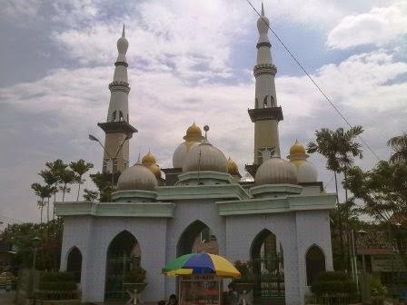 Lost In Three Zaenal Abidin Cerita Wisata Kartun Jilid 2