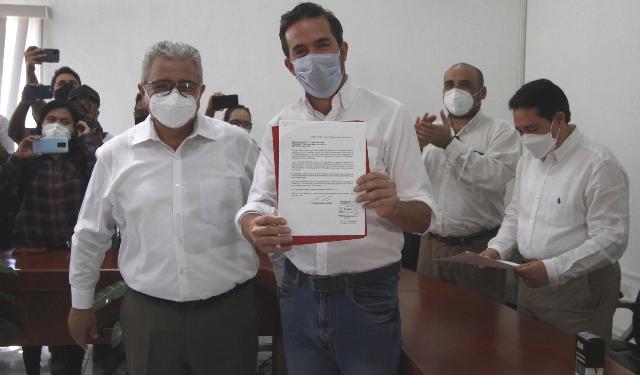 Pablo Gamboa Miner se registra ante el INE para el III Distrito Electoral Federal