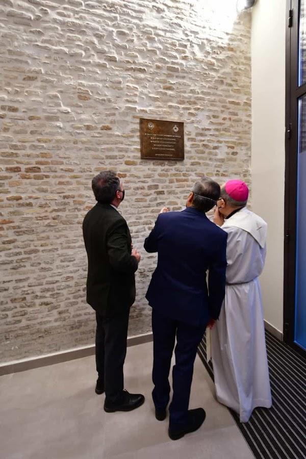 El Arzobispo bendice la nueva Casa Hermandad del Rocío de Sevilla acompañado del Alcalde y otras autoridades
